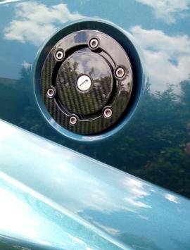 VX220 / Opel Speedster fuel cap and surround
